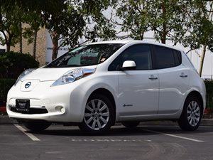 2013 Nissan LEAF S Carfax 1-Owner - No AccidentsDamage Reported Adjustable Front Seat Belt Upper