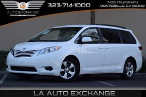 2015 Toyota Sienna LE Carfax 1-Owner Airbag Occupancy Sensor Axle Ratio 394 Convenience  Bac