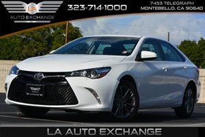 2015 Toyota Camry SE Carfax 1-Owner  Super White  We are not responsible for typographical err