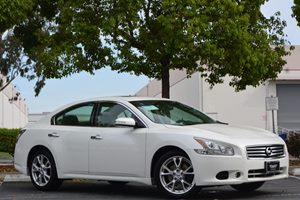2013 Nissan Maxima 35 SV Carfax 1-Owner  Pearl White 24193 Per Month -ON APPROVED CREDIT-
