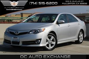 2014 Toyota Camry SE Carfax 1-Owner  Classic Silver Metallic          18606 Per Month - On A