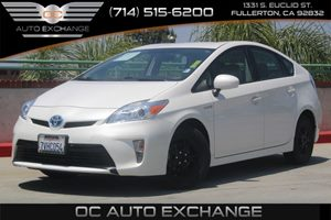 2013 Toyota Prius One Carfax Report - No AccidentsDamage Reported  Super White  We are not re