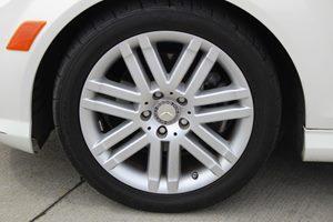 2009 MERCEDES C300 Luxury Sedan Carfax Report - No AccidentsDamage Reported  Arctic White