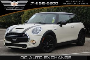 2015 MINI Cooper Hardtop S Carfax Report  Pepper White  We are not responsible for typographic
