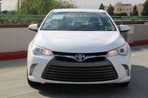 2016 Toyota Camry LE Carfax 1-Owner - No AccidentsDamage Reported  Super White          204