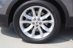 2014 Ford Explorer XLT Carfax 1-Owner - No AccidentsDamage Reported  Sterling Gray Metallic