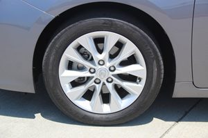 2015 Lexus ES 300h Hybrid Carfax 1-Owner - No AccidentsDamage Reported  Nebula Gray Pearl 6-
