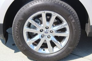 2014 Ford Edge SEL Carfax 1-Owner - No AccidentsDamage Reported  Ingot Silver Metallic