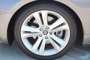 2010 Hyundai Genesis Coupe  Carfax 1-Owner - No AccidentsDamage Reported  Nordschleife Gray