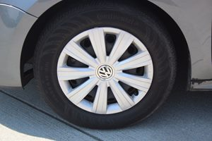 2013 Volkswagen Jetta Sedan S Carfax 1-Owner - No AccidentsDamage Reported  Platinum Gray Meta
