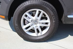 2008 Volkswagen Touareg 2 VR6 FSI Carfax Report - No AccidentsDamage Reported  Gray