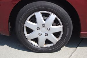 2007 Mitsubishi Galant ES Carfax 1-Owner - No AccidentsDamage Reported  Ultra Red Pearl  We a