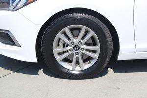 2016 Hyundai Sonata SE Carfax 1-Owner - No AccidentsDamage Reported  Quartz White Pearl