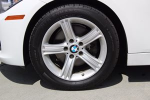 2014 BMW 3 Series 320i Carfax Report  White          21594 Per Month - On Approved Credit