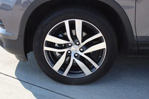2016 Honda Pilot Elite Carfax 1-Owner  Gray  We are not responsible for typographical errors