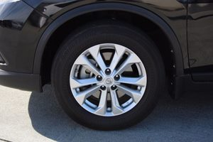 2015 Nissan Rogue SV Carfax 1-Owner - No AccidentsDamage Reported  Super Black  We are not re