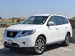 2014 Nissan Pathfinder S Carfax 1-Owner - No Accidents  Damage Reported to CARFAX Air Conditioni