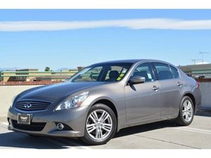 2011 Infiniti G37 Sedan x Carfax Report  Gold  We are not responsible for typographical errors