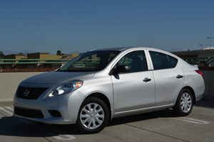 2014 Nissan Versa S Plus Carfax 1-Owner  Brilliant Silver         14911 Per Month - On Appro