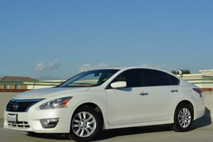 2014 Nissan Altima 25 S Carfax 1-Owner - No Accidents  Damage Reported to CARFAX Fuel Economy