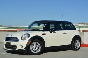 2013 MINI Cooper Hardtop  Carfax 1-Owner Fuel Economy  29 Mpg City  37 Mpg Highway Pepper Whi
