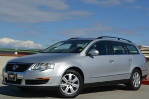 2007 Volkswagen Passat Wagon 20T Carfax 1-Owner - No Accidents  Damage Reported to CARFAX Air C