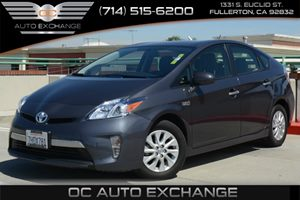 2014 Toyota Prius Plug-In  Carfax 1-Owner - No Accidents  Damage Reported to CARFAX Air Conditio