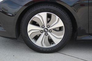 2014 Hyundai Sonata GLS Carfax Report - No Accidents  Damage Reported to CARFAX  Phantom Black