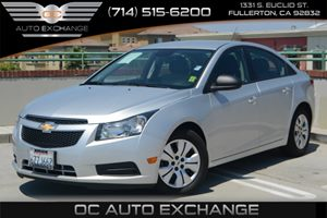 2013 Chevrolet Cruze LS Carfax 1-Owner - No Accidents  Damage Reported to CARFAX Air Conditionin