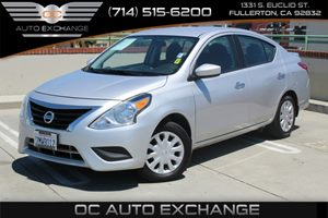 2015 Nissan Versa SV Carfax 1-Owner - No Accidents  Damage Reported to CARFAX  Brilliant Silve