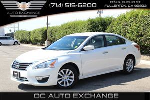 2013 Nissan Altima 25 Carfax Report - No AccidentsDamage Reported  Pearl White  We are not r