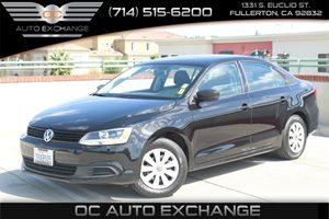 2014 Volkswagen Jetta Sedan S Carfax 1-Owner - No AccidentsDamage Reported  Black Uni  Gobble