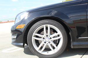 2014 MERCEDES C250 Luxury Sedan Carfax Report - No AccidentsDamage Reported  Black