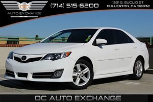 2013 Toyota Camry SE Carfax 1-Owner - No AccidentsDamage Reported  Super White  YouGre goin