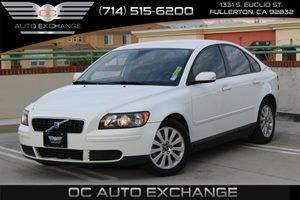 2005 Volvo S40  Carfax 1-Owner - No AccidentsDamage Reported  Ice White  We are not responsib