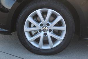2015 Volkswagen Jetta Sedan 18T SE Carfax 1-Owner - No AccidentsDamage Reported  Black