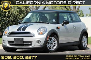 2013 MINI Cooper Hardtop  Carfax 1-Owner  Pepper White  We are not responsible for typographic