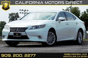 2014 Lexus ES 350  Carfax 1-Owner - No AccidentsDamage Reported  White  We are not responsibl