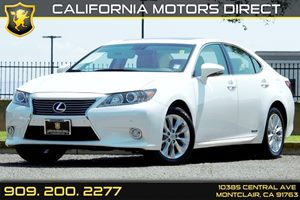 2013 Lexus ES 300h Hybrid Carfax 1-Owner  White  We are not responsible for typographical erro
