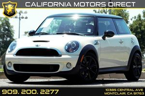 2013 MINI Cooper Hardtop S Carfax 1-Owner - No AccidentsDamage Reported  Pepper White  We are