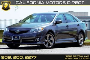 2014 Toyota Camry SE Carfax 1-Owner Audio  Auxiliary Audio Input Body-Colored Power Heated Side