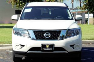 2015 Nissan Pathfinder S Carfax 1-Owner - No AccidentsDamage Reported 6 Cylinders Audio  Auxil
