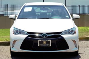 2015 Toyota Camry SE Carfax 1-Owner - No AccidentsDamage Reported Audio  Auxiliary Audio Input