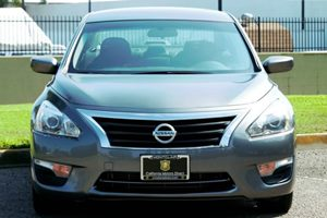 2015 Nissan Altima 25 S Carfax 1-Owner - No AccidentsDamage Reported  Gray 15748 Per Month