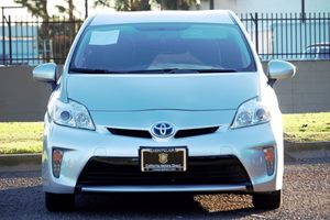 2014 Toyota Prius Three Carfax 1-Owner  Classic Silver Metallic  We are not responsible for ty