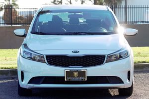 2017 Kia Forte LX Carfax 1-Owner - No AccidentsDamage Reported  White  We are not responsible