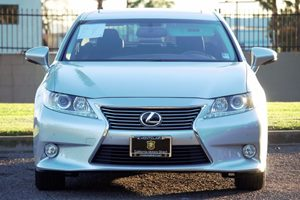 2014 Lexus ES 350 Base Carfax 1-Owner - No AccidentsDamage Reported  Silver Lining Metallic