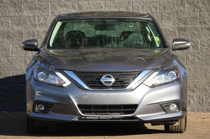 2016 Nissan Altima 25 SL  Gray All advertised prices exclude government fees and taxes any fi