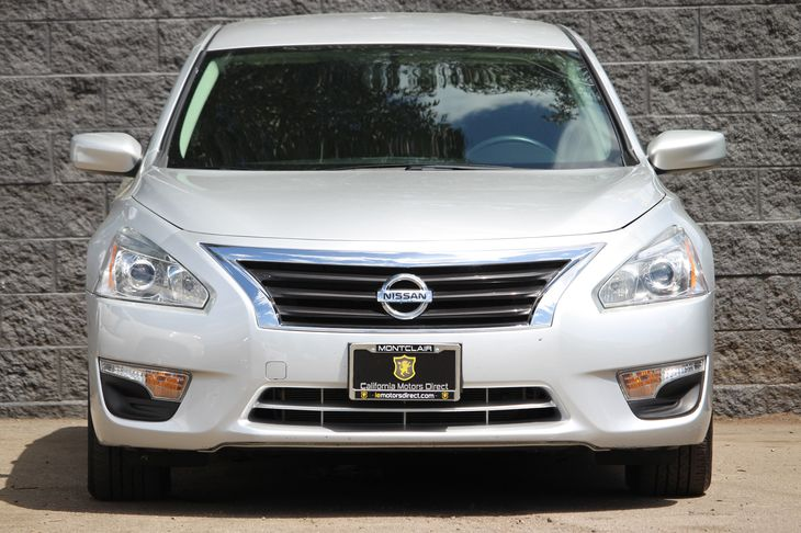 2015 Nissan Altima 25 S  Brilliant Silver All advertised prices exclude government fees and ta