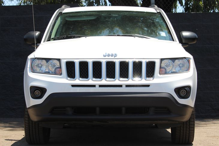 2017 Jeep Compass Sport  Bright White Clearcoat SWING BY AND CHECK OUT OUR SALES GOING ON